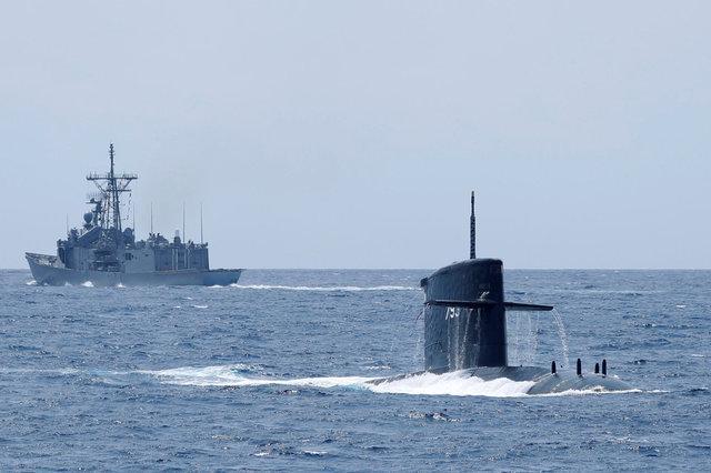 راهی برای ارتباط مستقیم زیردریایی ها با هواپیما پیدا شد