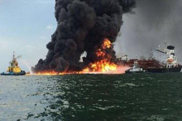 انتشار نخستین تصویر از نفت کش های حادثه دیده در دریای عمان