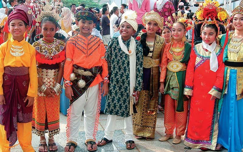 آشنایی با آداب و رسوم مالزی