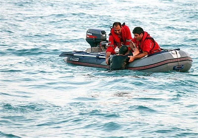 نجات جان 7 صیاد گمشده در آب های دریای عمان توسط تیم نجات بندر چابهار