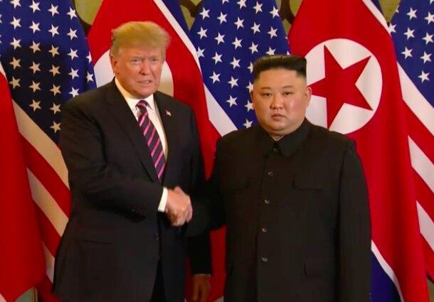 ترامپ در ملاقات با اون: از خلع سلاح هسته ای کره شمالی عقب نشینی نمی کنم