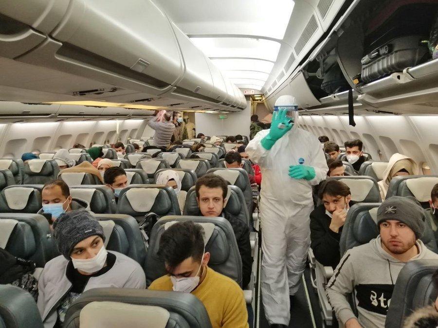 رهایی از منطقه صفر کورونا ، دانشجویان ایرانی مقیم ووهان به سوی وطن پرواز کردند