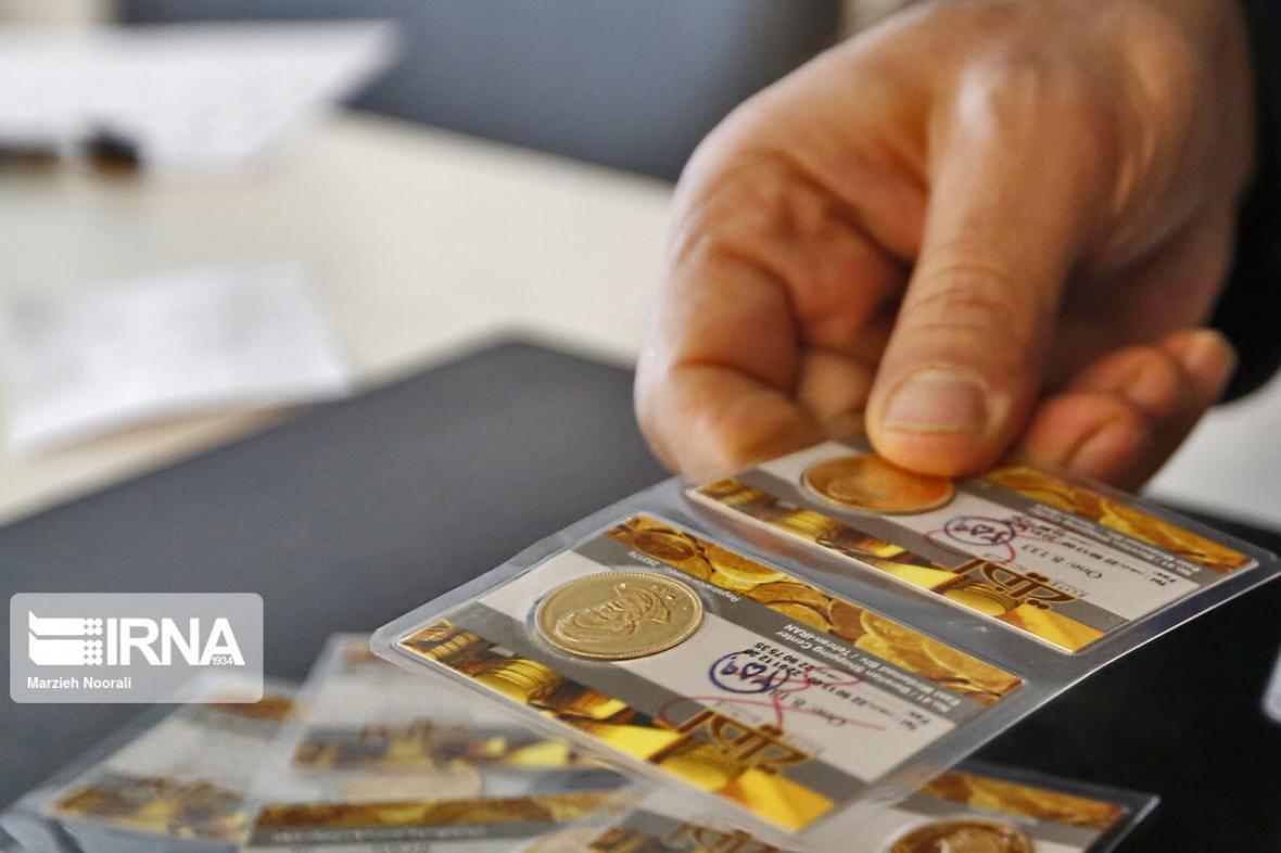خبرنگاران خرید طلا و سکه با کارت بانکی سرقتی در همدان