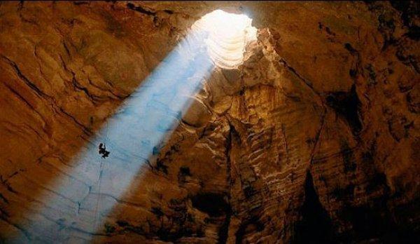 معرفی یکی از غار های خطرناک ایران به نام غار پرآو