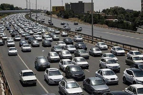 ترافیک سنگین در جاده های منتهی به پایتخت