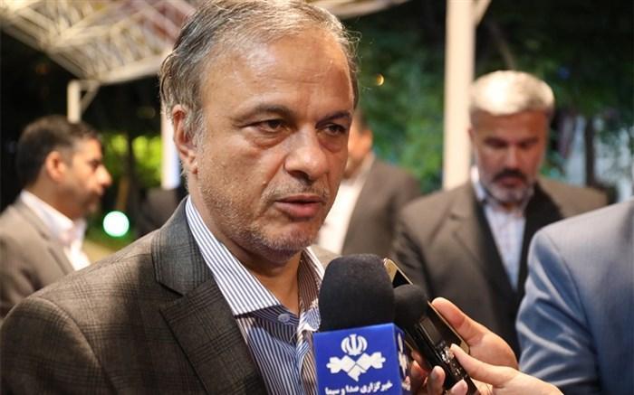 وزیر صمت: فولاد بزودی در بازار بورس عرضه می گردد