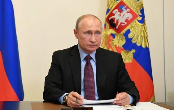 ولادیمیر پوتین طرح تمدید معاهده کنترل تسلیحات هسته ای با آمریکا را امضا کرد