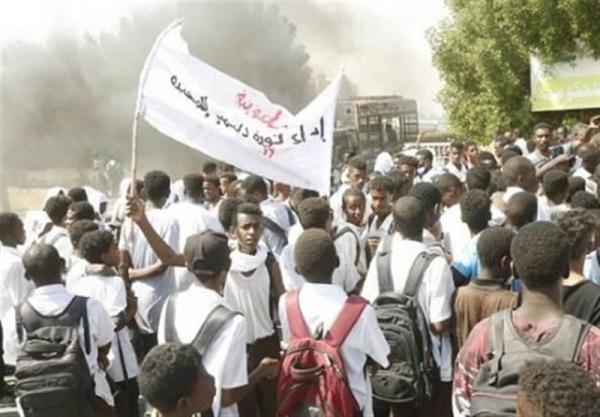 گزارش، تظاهرات در سودان و اعلام حالت فوق العاده در ایالت های آشوب زده