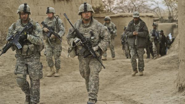 بایدن به فکر حفظ نظامیان آمریکایی در افغانستان تا نوامبر است