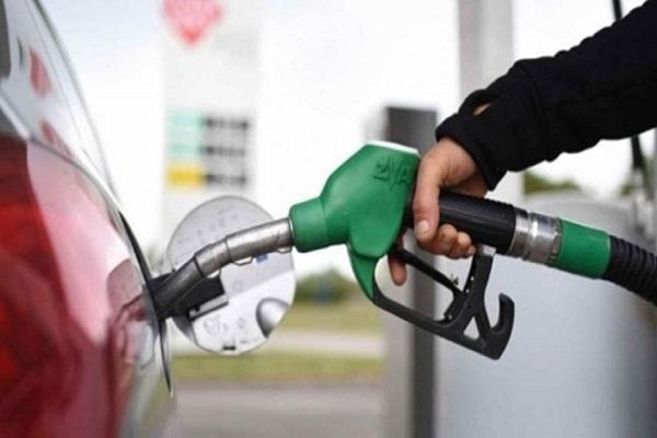 دلایل پیچیدن بوی بنزین در اتاقک ماشین چیست؟