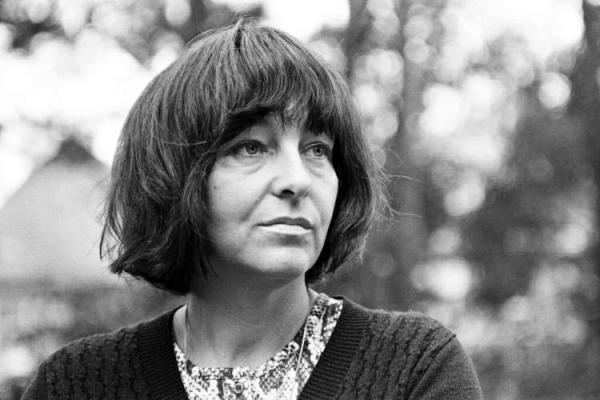 فردریکه میروکر، زن آوانگارد ادبیات آلمان، در 96 سالگی درگذشت