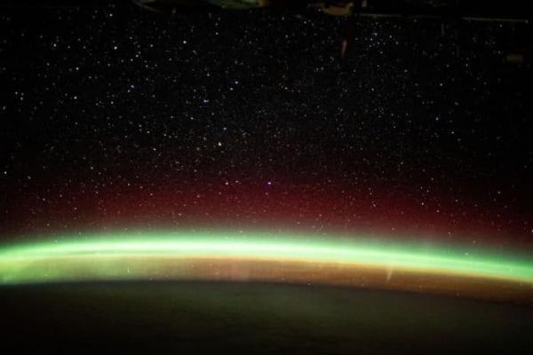 ایستگاه فضایی بین المللی تصاویری فوق العاده خیره کننده از شفق قطبی در اینستاگرام خود به اشتراک گذاشت