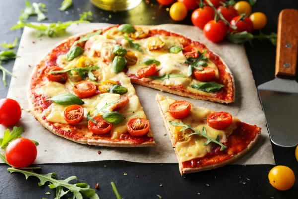 هر پیتزایی ایتالیایی نیست! تفاوت های پیتزا آمریکایی و ایتالیایی را بخوانید
