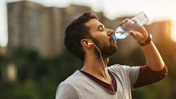 چرا به مقدار کافی آب نمی نوشید؟